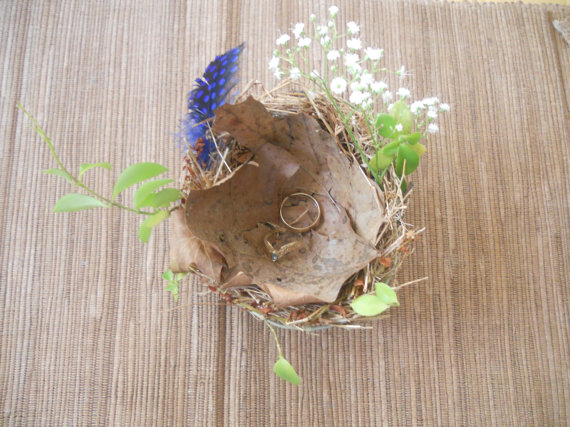birds nest ring holder